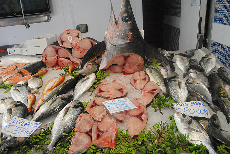 Italy fish markets